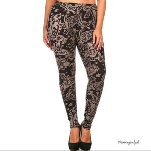 Pants - Extra Plus Size Champagne Paisley Leggings 3X-5X